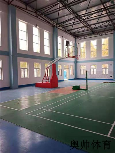 室内液压篮球架